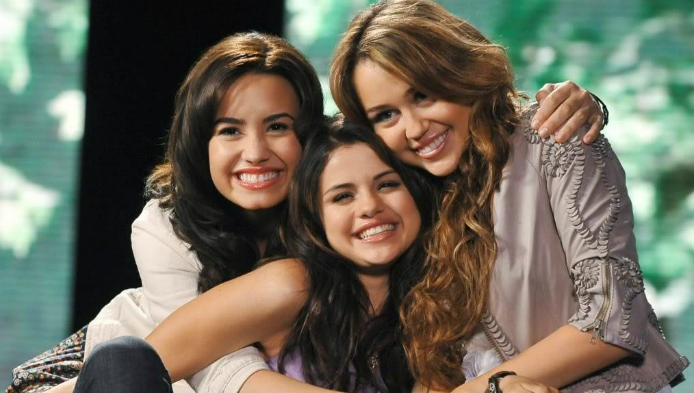 Miley, Demi sau Selena?