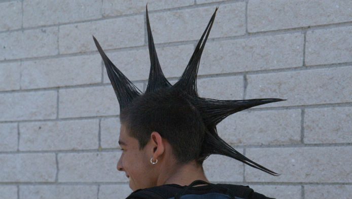Esti punk?