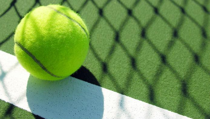 Unora le place tenisul