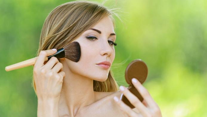 Obsedata de make up?